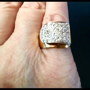 14K Gold & Pave' set Diamond Ring